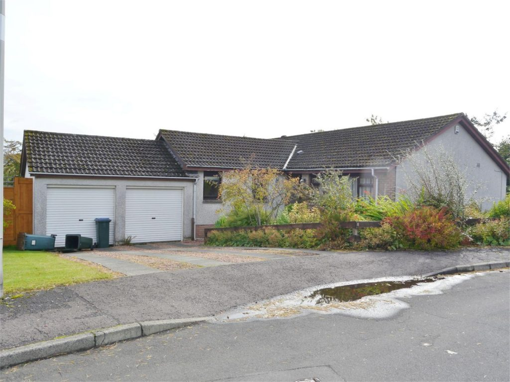 8 Coventry Way, Milnathort, Kinross